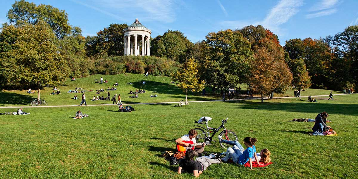 urban parks englischer garten munich. Black Bedroom Furniture Sets. Home Design Ideas